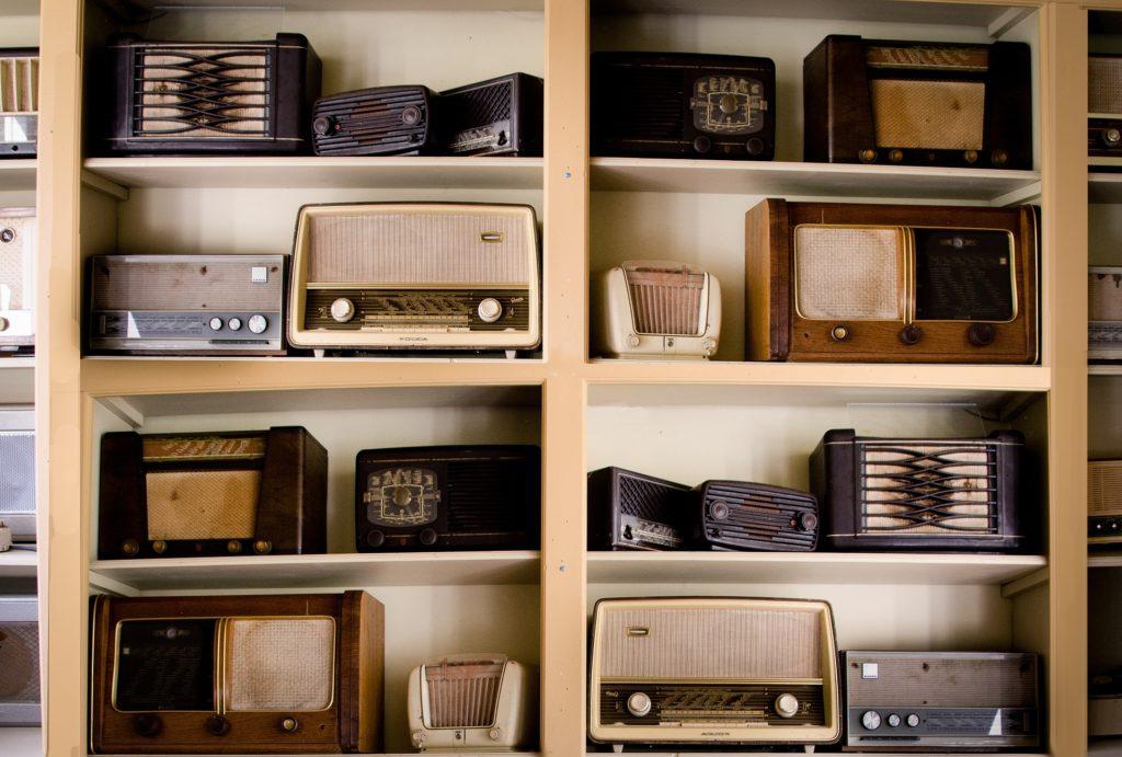 radio-777219_1920